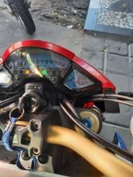 Moto CB 1000R
