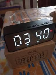 Caixa Bluetooth/ despertador 2 alarme/ entrada cartão de memória<br><br>