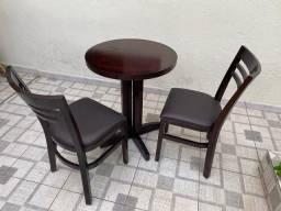 Mesa bistrô com 2 cadeiras