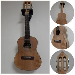 Título do anúncio: Cavaco Acústico Luthier aceito Violão de até R$ 300.00 parcelamos em até 12 X sem juros.