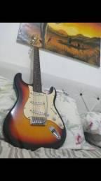 Vendo guitarra e acessórios de som