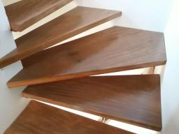 Escada deck em madeira