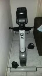 Bicicleta ergométrica horizontal e simulador de caminhada