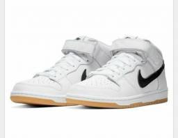 Adidas / Nike / Mizuno
