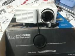 Mini Projetor De Led Portatil Data Show Hdmi Filmes Usb Uc28 - Branco