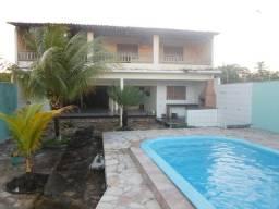 Casa com Piscina, 05 quartos, perto do centro na praia de Pontas de Pedra