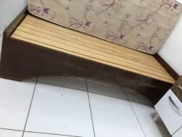 Cama sem colchão