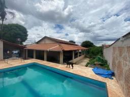 Casa Papillon Park, 3 quartos, espaço gourmet com piscina e churrasqueira