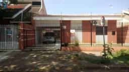 Casa com 2 dormitórios à venda, 272 m² por R$ 700.000,00 - Jardim Alvorada - Maringá/PR
