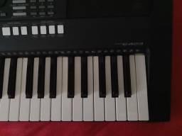 Teclado Yamaha PSR-e423 Usado