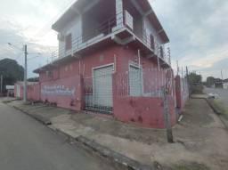 Vende/Aluga-se, prédio comercial com 2 casas, esquina, novo Airão