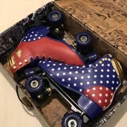 Patins Mulher Maravilha tamanho 38: novo, na caixa, original (Wonder Woman)