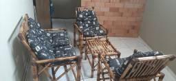 Jogo de cadeiras de bambu