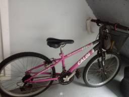 Bicicleta Caloi rosa com marcha