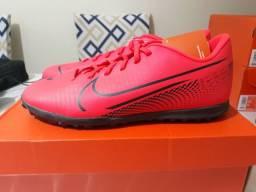 Chuteira Nike Society Mercurial Vapor 13 Club TF