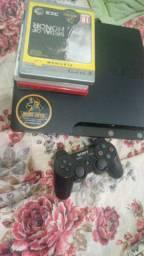 Vendo PS3 em perfeito Estado funcionando perfeitamente pouco tempo de uso