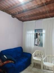 Vendo casa em Guaçui, com 4 cômodos.