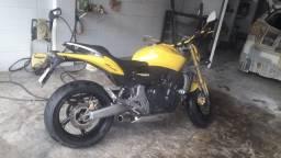 V/T Leia o anúncio, Hornet 2009 pneus Zero moto excelente