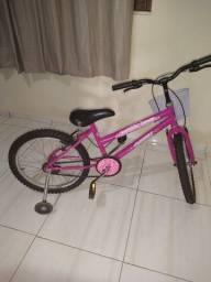 Bicicleta infantil em ótima condições pra vim busca