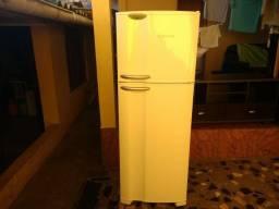 Vendo geladeira ótimo Estado