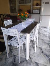 Título do anúncio: Mesa de mármore com 4 cadeiras entrego