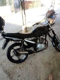 Título do anúncio: Moto 150 cc deve 227 documento e recibo em branco interessado falar no zap *