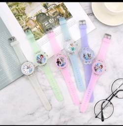 Título do anúncio: Relógio Analógico Princesas: Frozen, Sofia