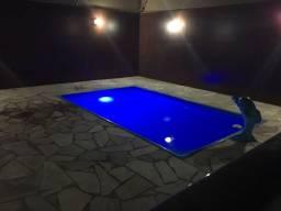 Casa de alto padrão, com 03 quartos, piscina, churrasqueira, terreno 360M². Nova São Pedro