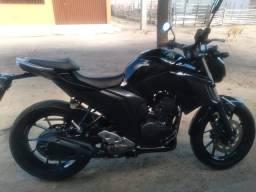 Moto Yamaha Fazer