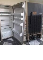 Título do anúncio: Vendo geladeira (leia a descrição)