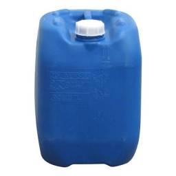 Título do anúncio: Bombonas plásticas usada 15-20-25-30-50-200 L