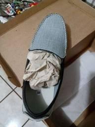 Sapato Mocassim cinza