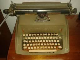 Máquina de Escrever Remington. Raridade , funcionando, com dupla fita impressora