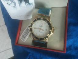 Lindo Relógio Champion novo