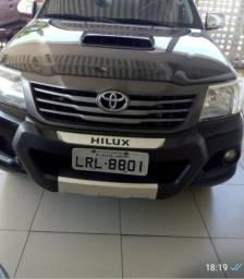 Pickup Hilux 3.0 Automático, CD 4X4 SRV Turbo Diesel - Modelo 2015 - Espetáculo - 2014