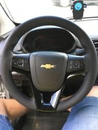 Capa de volante costurada