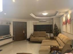 Alugo casa Mobiliada 3 dorm. 2 Suítes com piscina - Ecoville - Condomínio fechado
