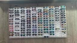 Painel para óculos e balcão