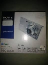 Camera digital Sony W320, 14 mp, zoom 4x, 26 mm angulo, completa, otimo estado