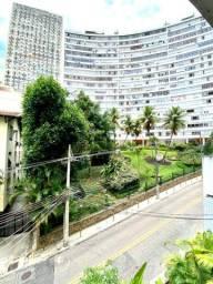 Amplo apartamento de 3 quartos no inicio da rua Timóteo da Costa