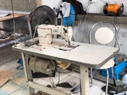 Máquina de costura industrial completa e revisada