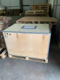 Caixote madeira com palete acoplado