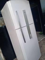 Vendo geladeira continental 500 litros duplex funcionando na medida pra vender rápido!!