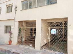 Título do anúncio: Apartamento com 3 dormitórios para alugar, 70 m² por R$ 900,00 - Estados Unidos - Uberaba/