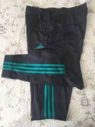 Calça Adidas Original Tamanho M com bolso excelente qualidade