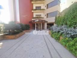 Apartamento com 4 dormitórios para alugar, 450 m² por R$ 5.000/mês - Centro - Uberlândia/M