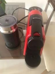 Título do anúncio: Máquina de Café Nespresso Essenza Mini D30 e Espumador