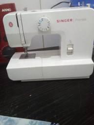 Vendo máquina de costura singer seminova singer
