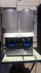 Título do anúncio: Refresqueira Venâncio  02 cubas  35 litros