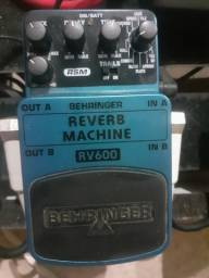 Pedal Behringer Reverb Machine RV600 e Noise Reducer NR300